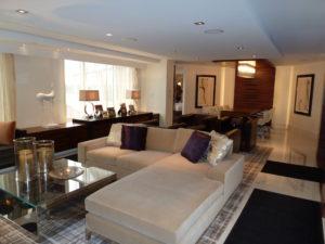 Hilton McLean - Lounge