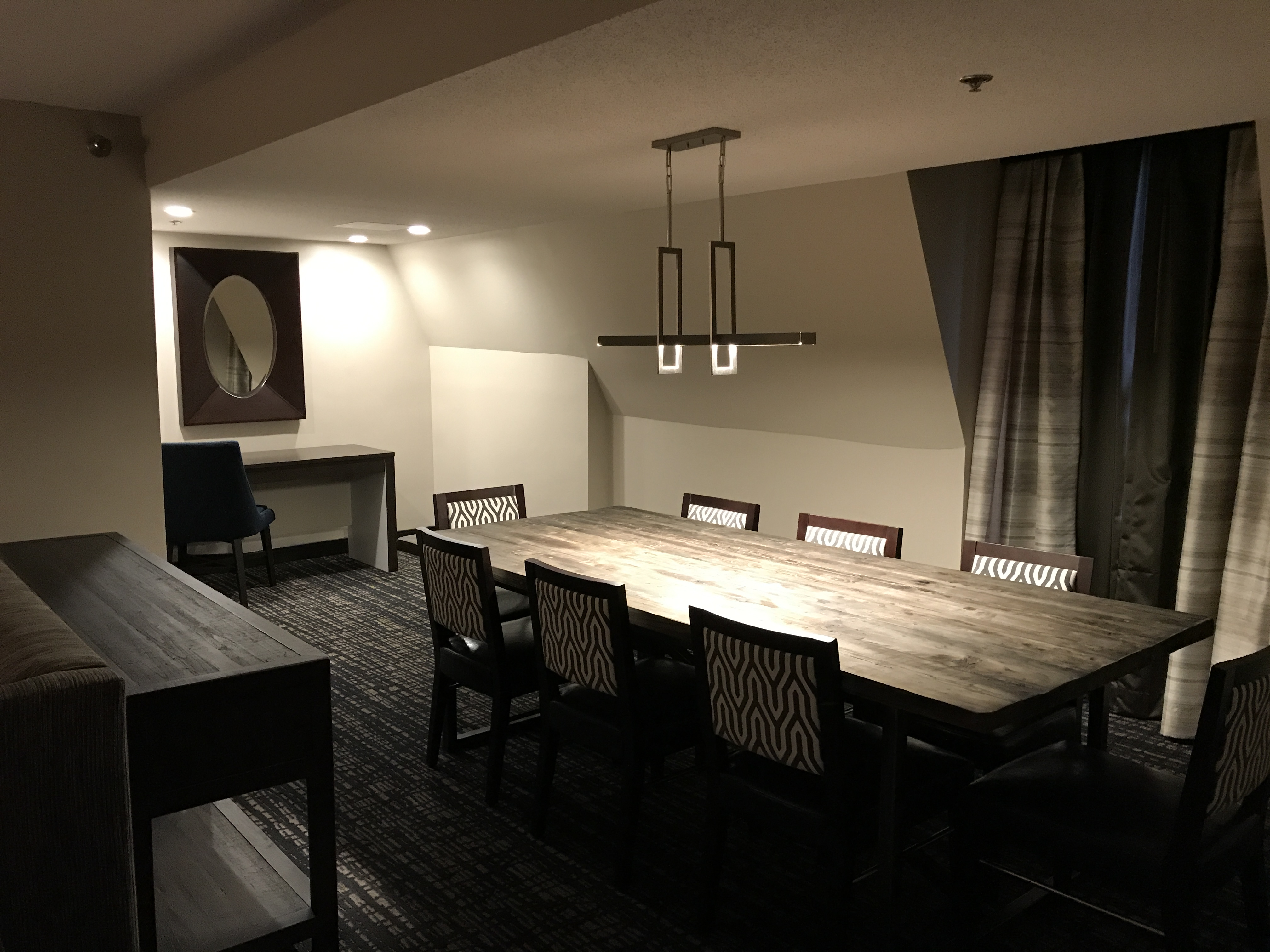 Annapolis Crowne Plaza renovated dining space