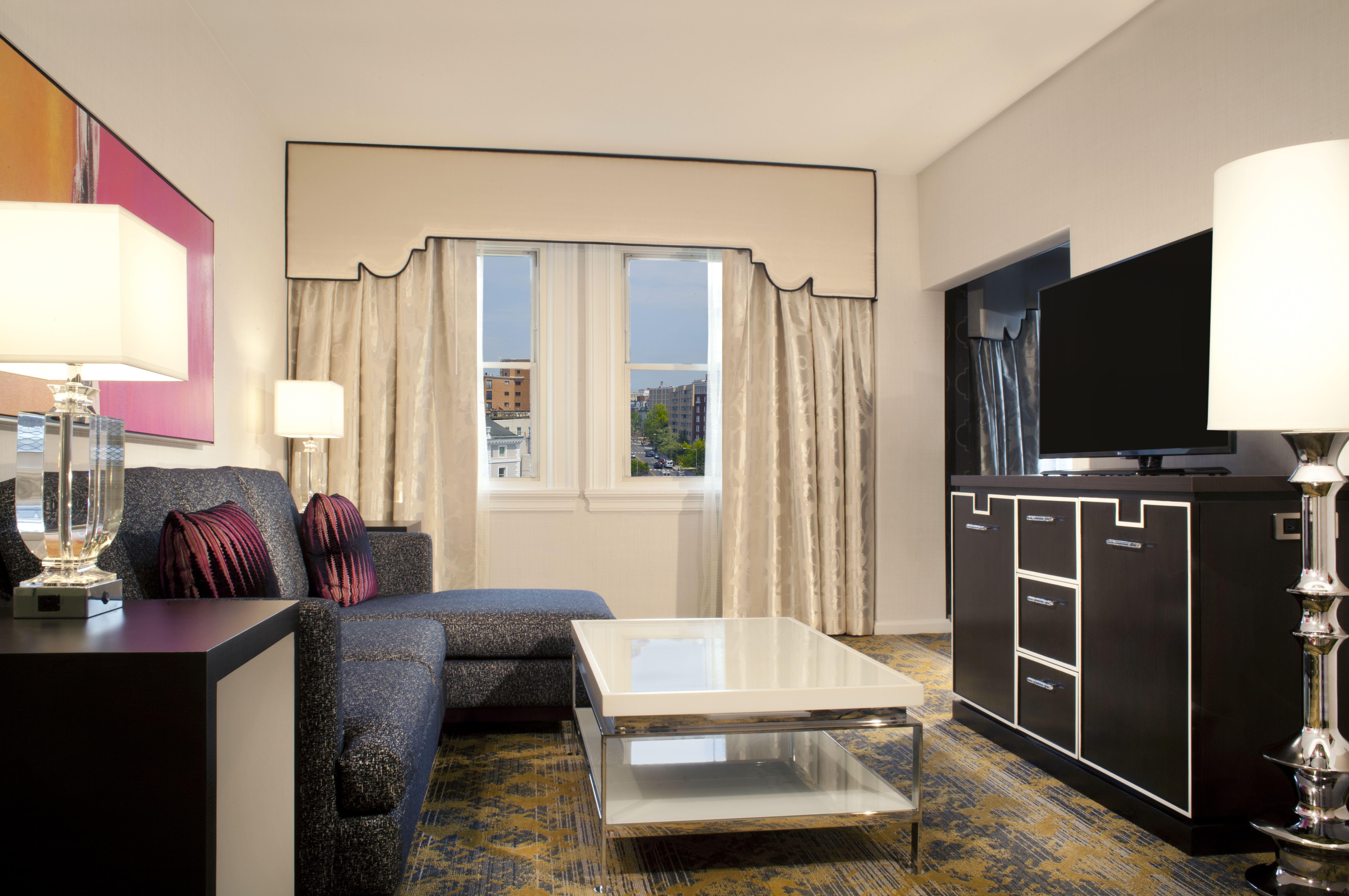 Churchill Hotel living room