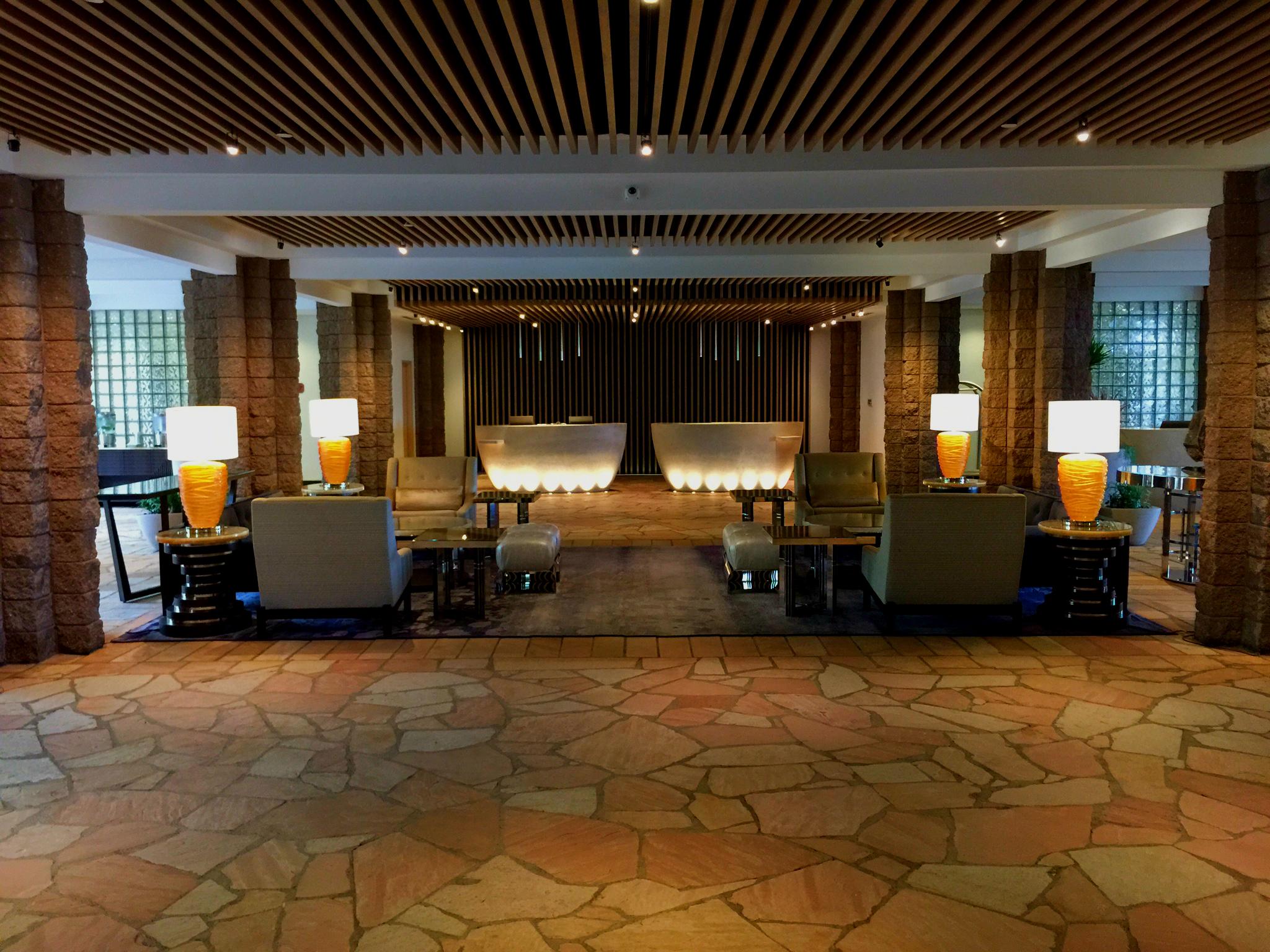 Loews Ventana - lobby