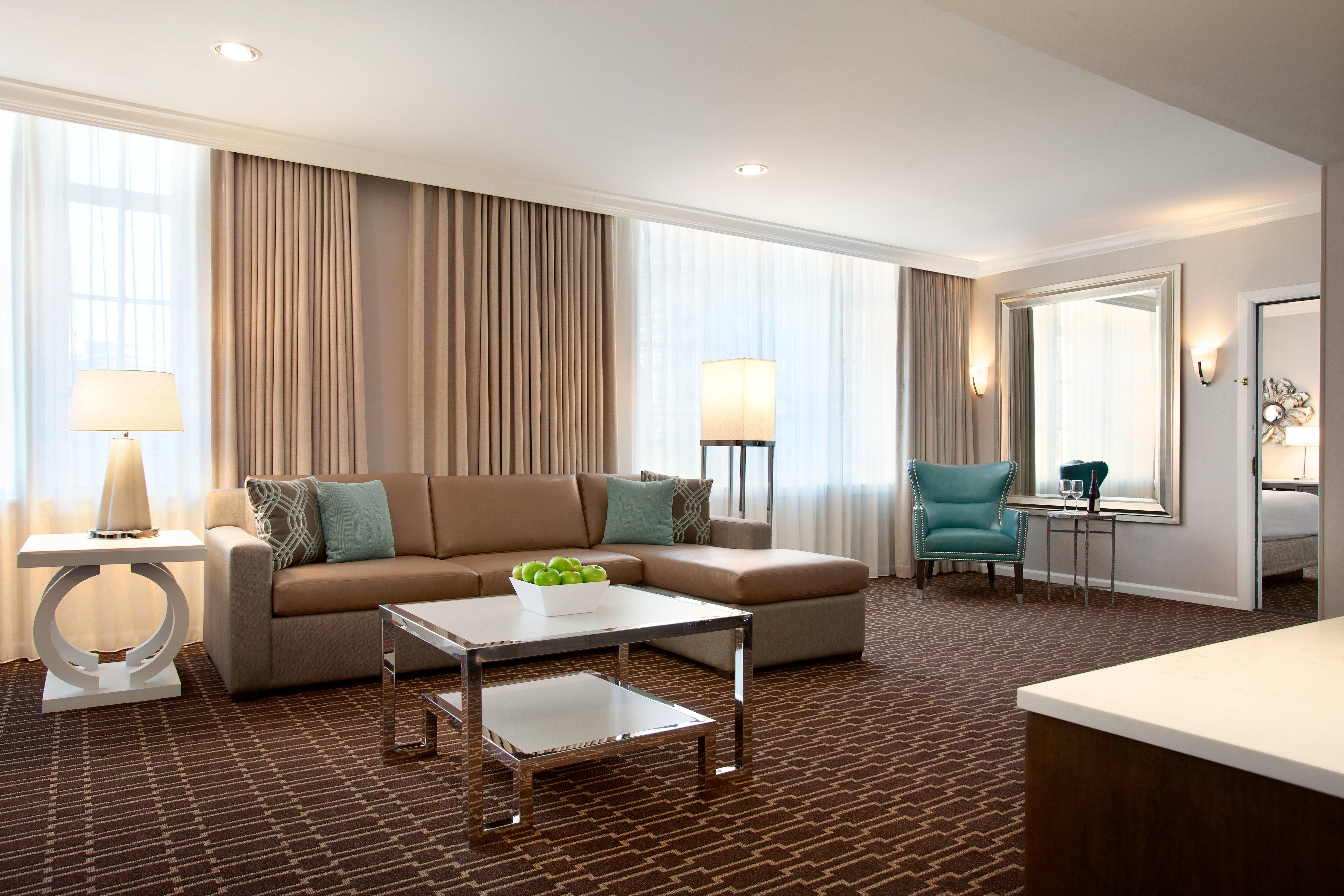St Charles Hilton - Parlor Suite