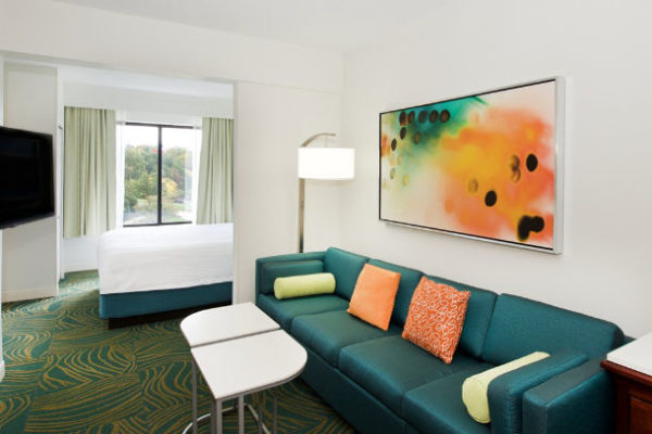 Springhill suites Baltimore BWI Airport guestroom
