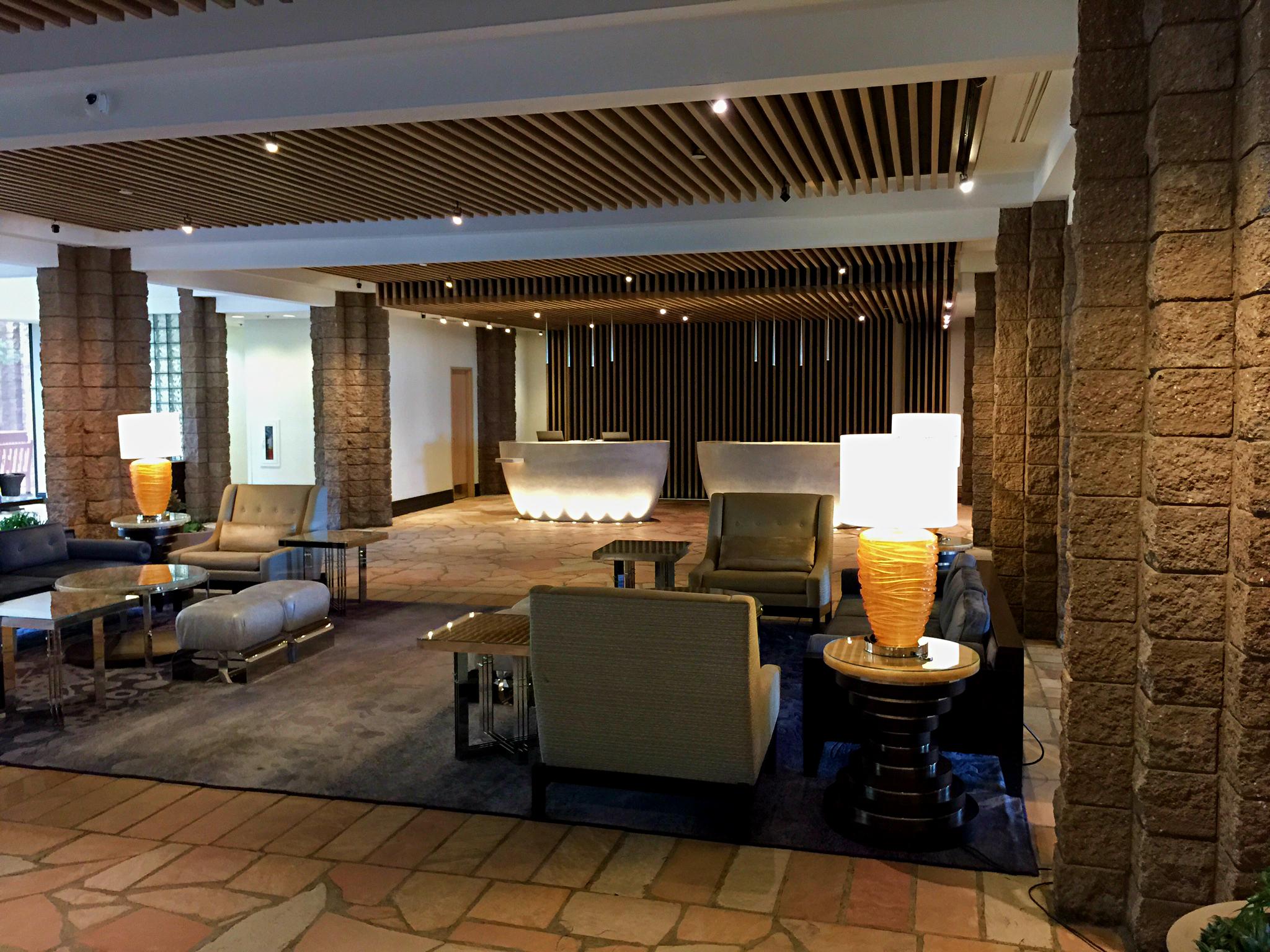 Loews Ventana - lobby side