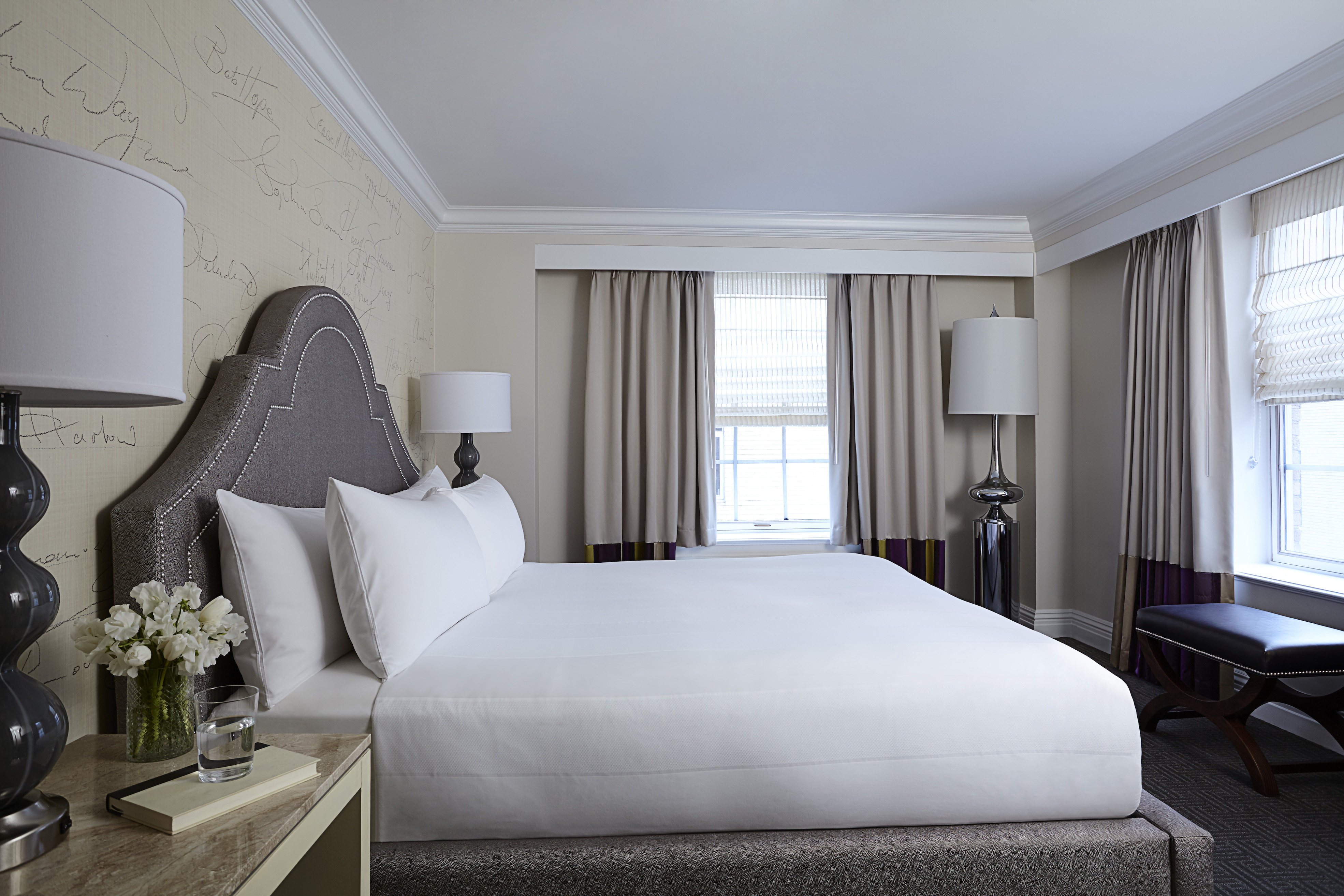 The Mayflower Hotel guestroom