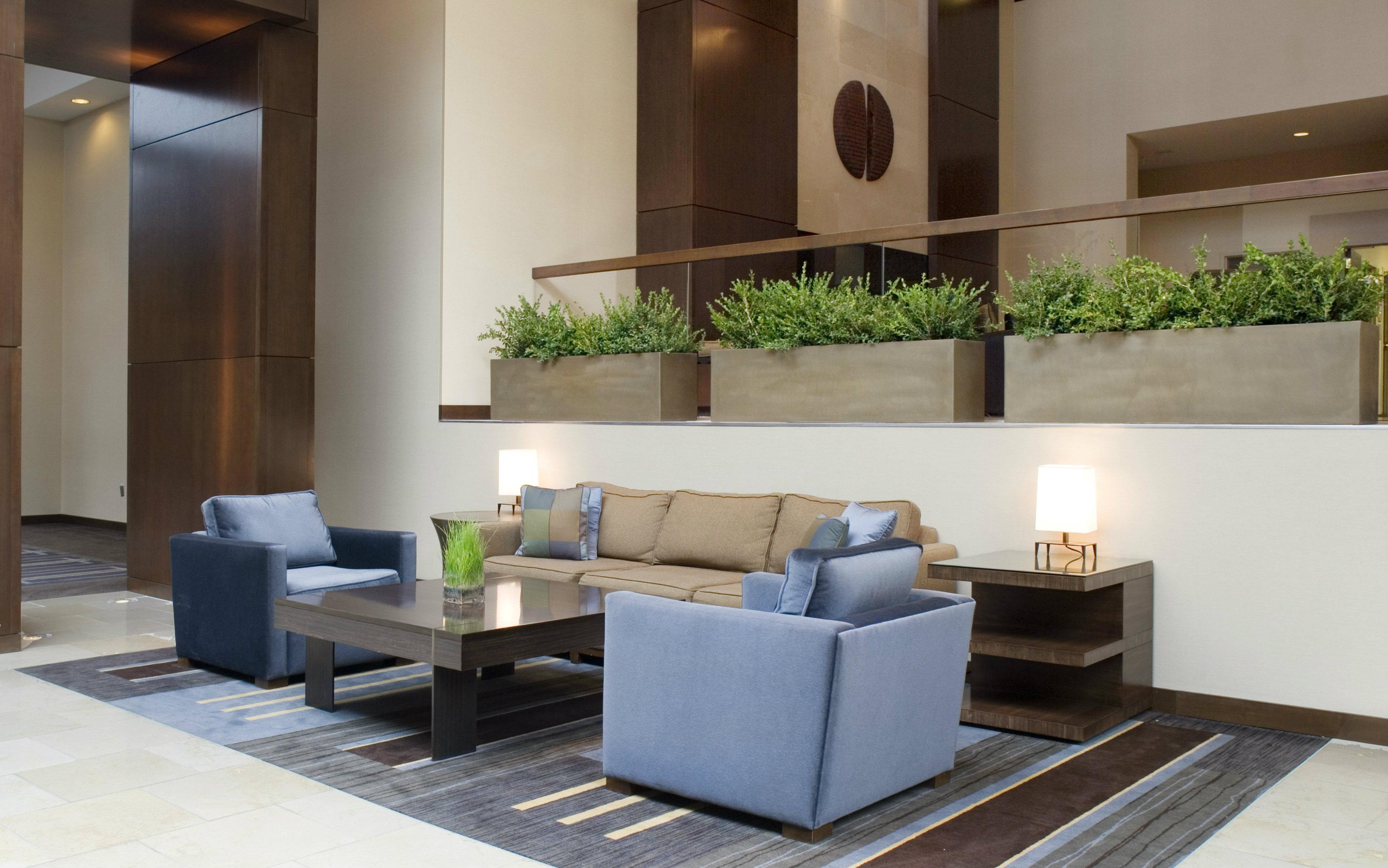 saratoga-lobby