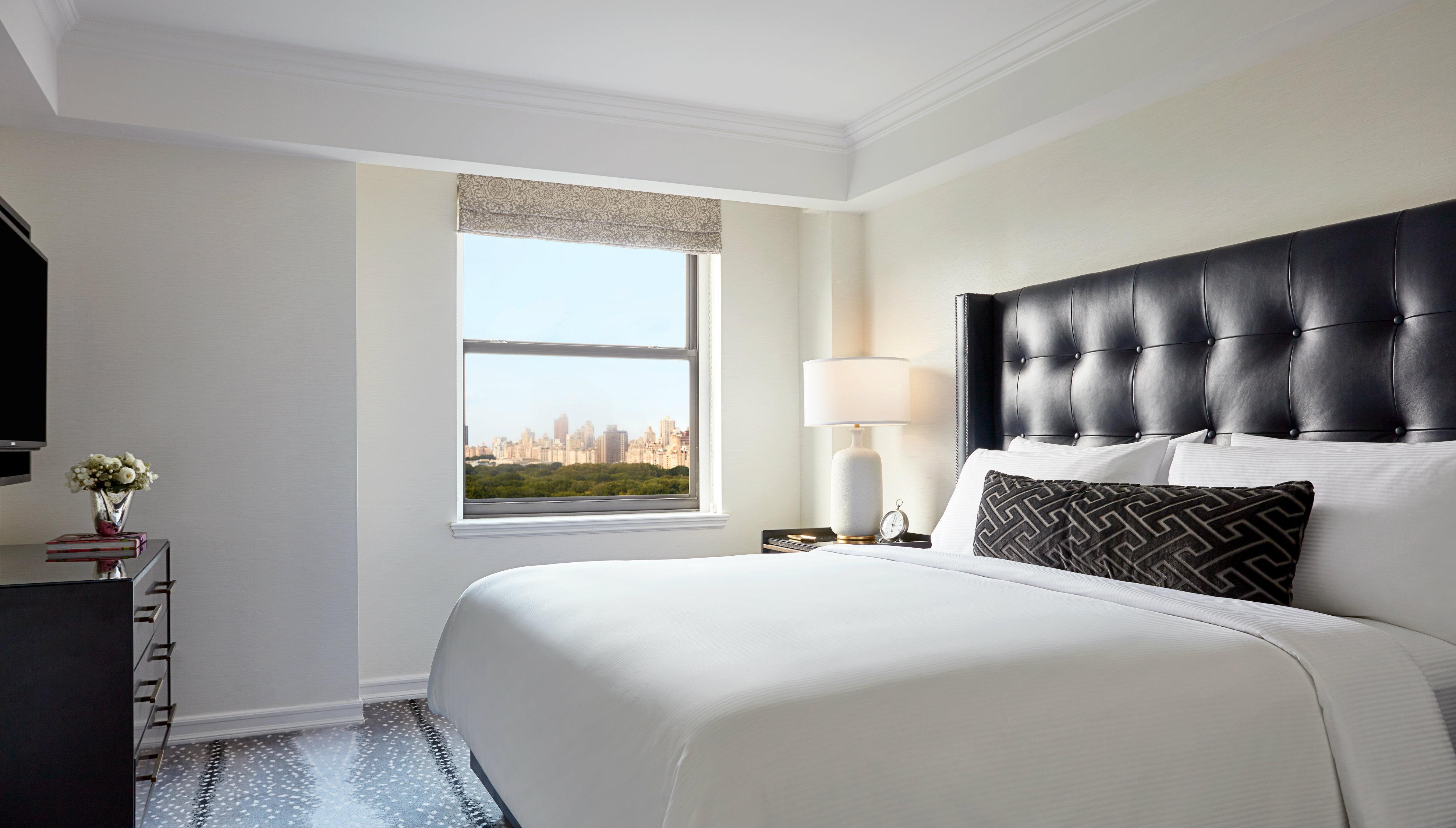 JW Marriott Essex House New York guestroom