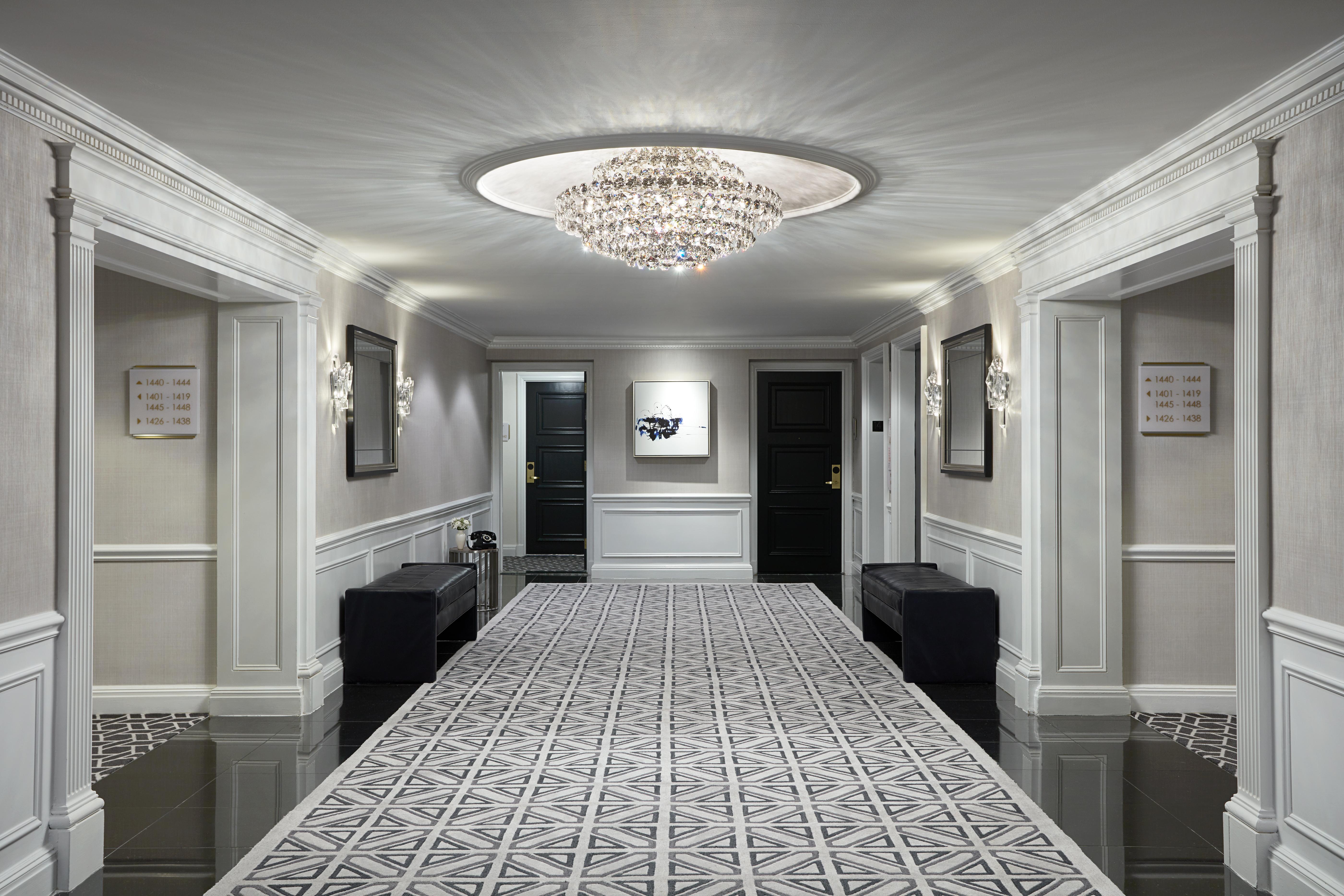 JW Marriott Essex House New York corridor
