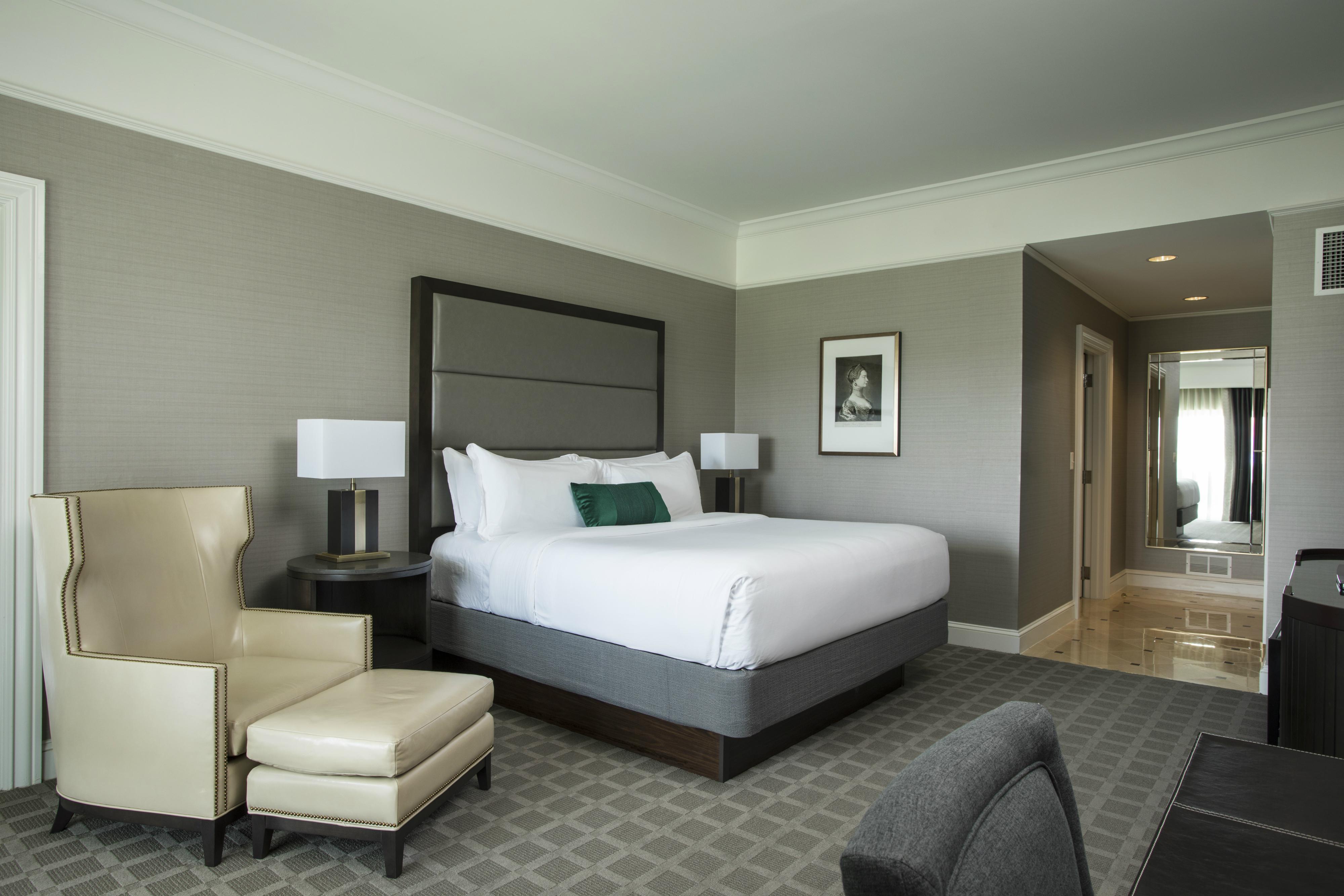 Ballantyne king bed executive suite