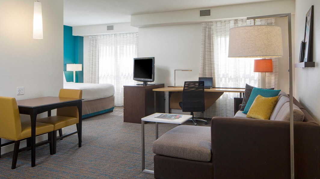 Residence Inn by Marriott Orlando at Seaworld guestroom