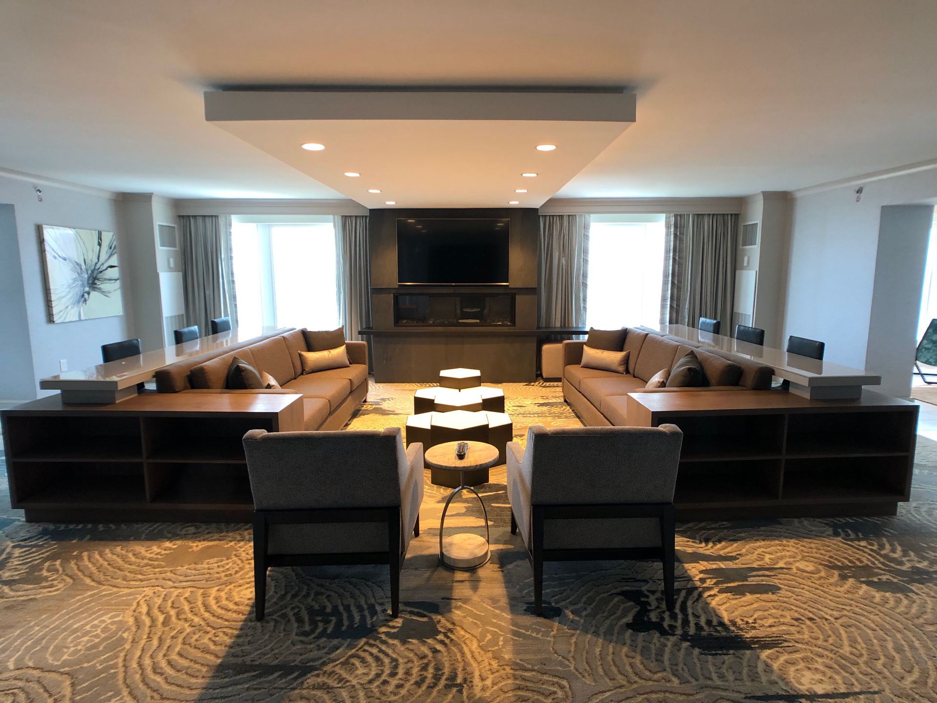 Baltimore Marriott Waterfront hotel renovated common space