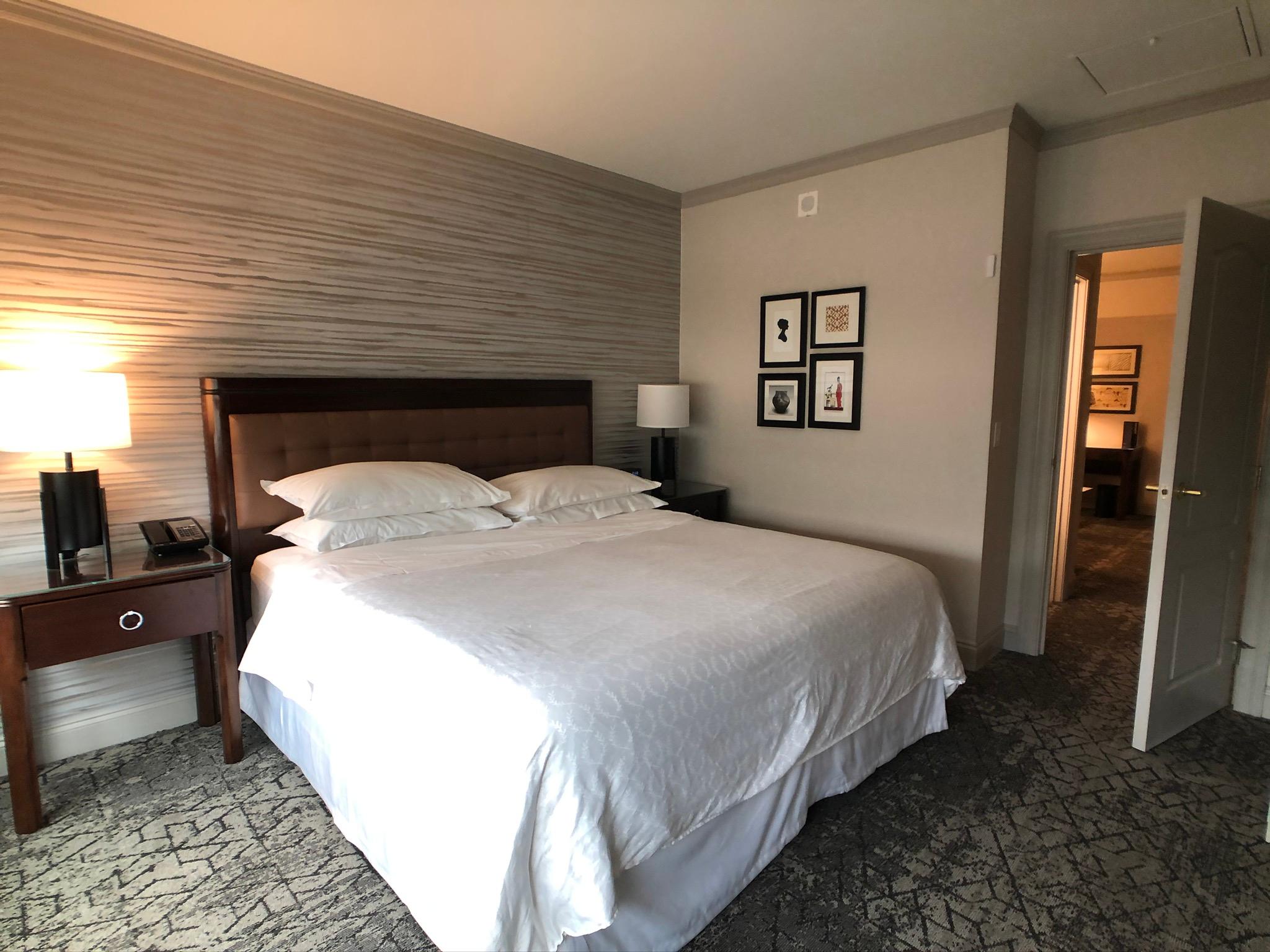 Sheraton Wilmington South Hotel guestroom