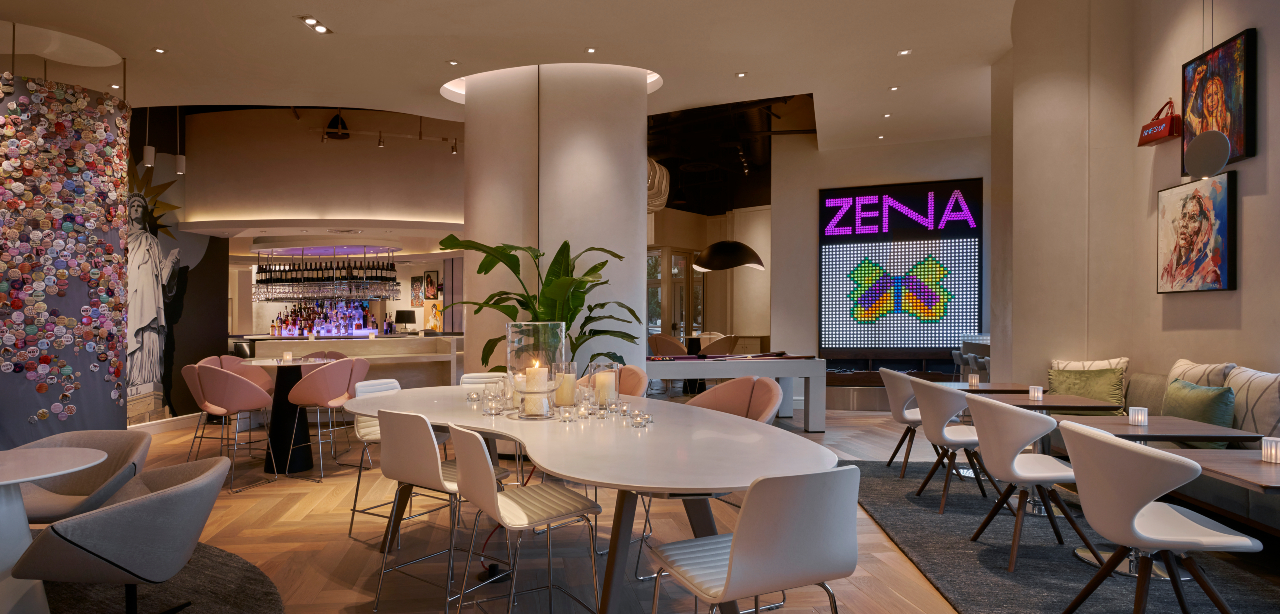 Common space and bar at Hotel Zena