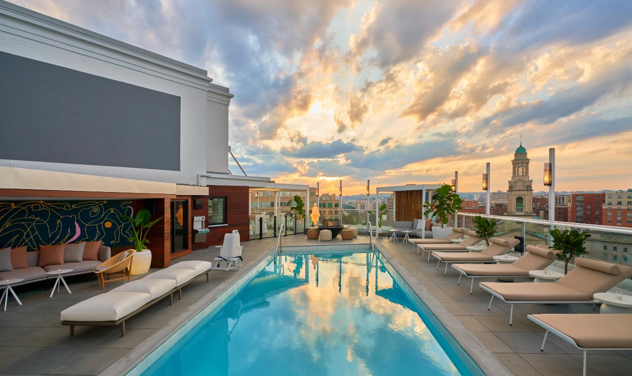 Outdoor pool at Hotel Zena